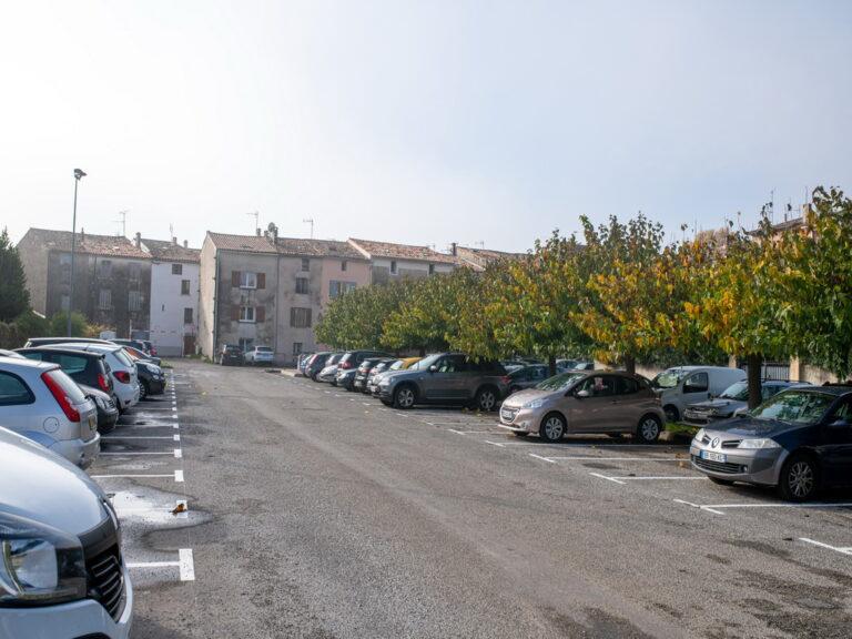 Mairie de Besse sur issole 2020 - Traçage places parking