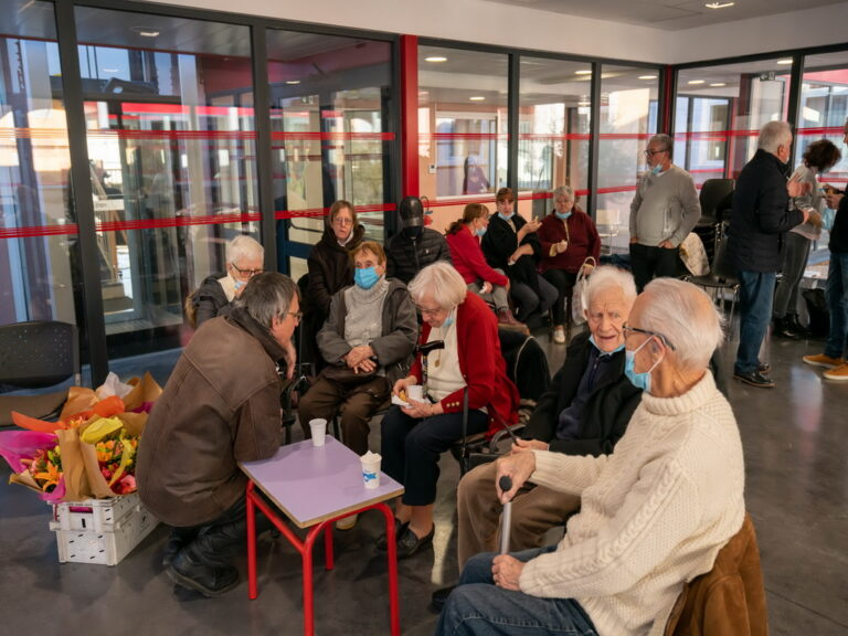 Mairie de Besse sur Issole fête ses doyens