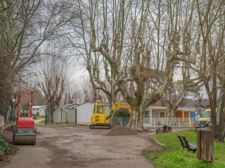 Mairie de besse sur issole - refection place du camping